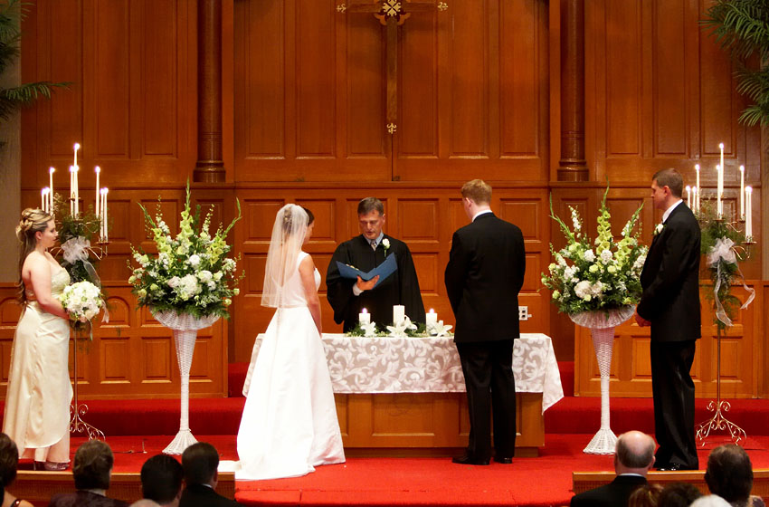 Wedding Altar Flowers The Specialiststhe Specialists