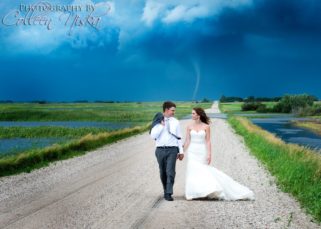 Tornado wedding photos in Canada (1)