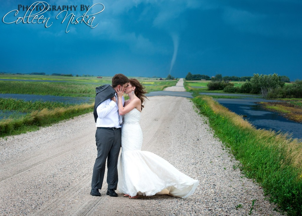 Tornado wedding photos in Canada (2)