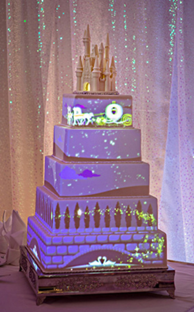 Wedding cake video projection by Disney