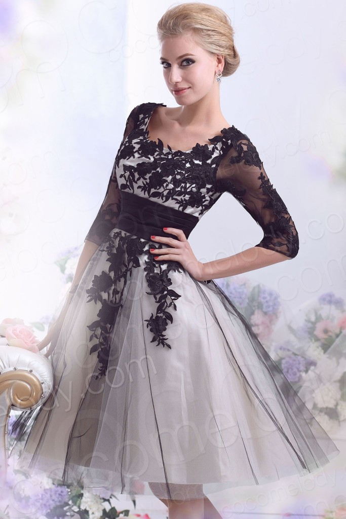 Casual A-Line Square Half Sleeve Knee Length Tulle Wedding Dress with Appliques