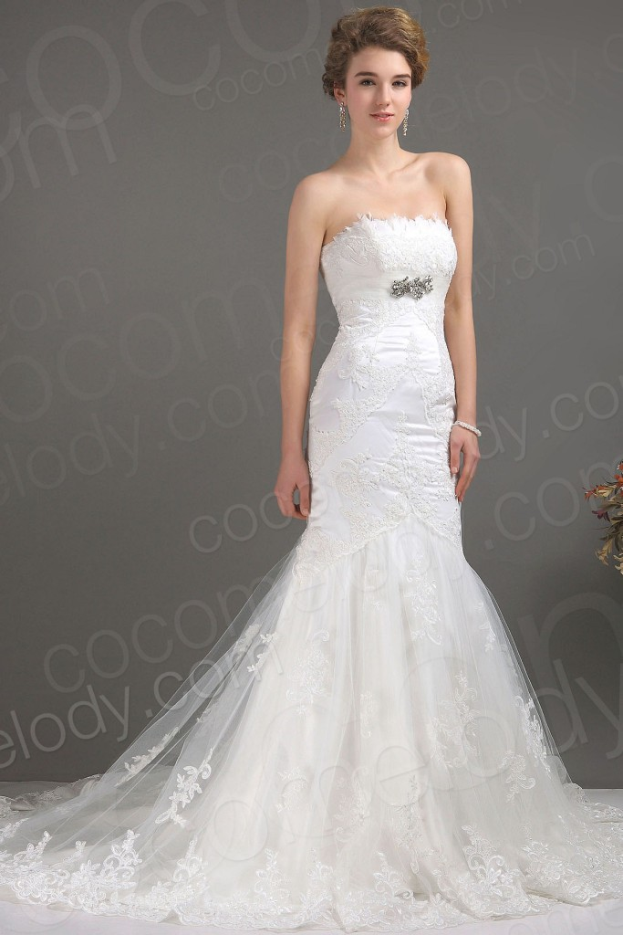 Delicate Trumpet-Mermaid Strapless Court Train Lace Fit and Flare Wedding Dress