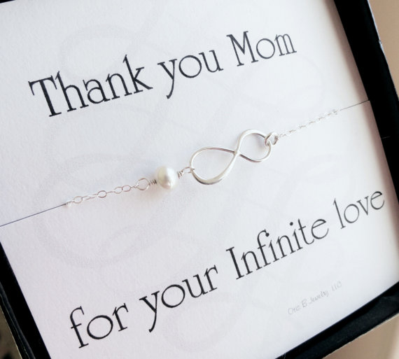 Message card with infinity bracelet gift set
